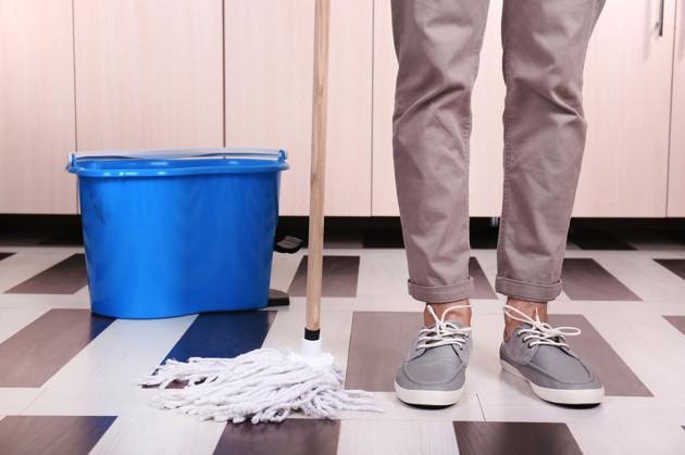 dejar-de-vivir-con-tus-padres-limpiar